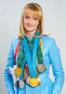 Светлана Васильевна Хоркина - двукратная олимпийская чемпионка в упражнениях на брусьях (1996, 2000).